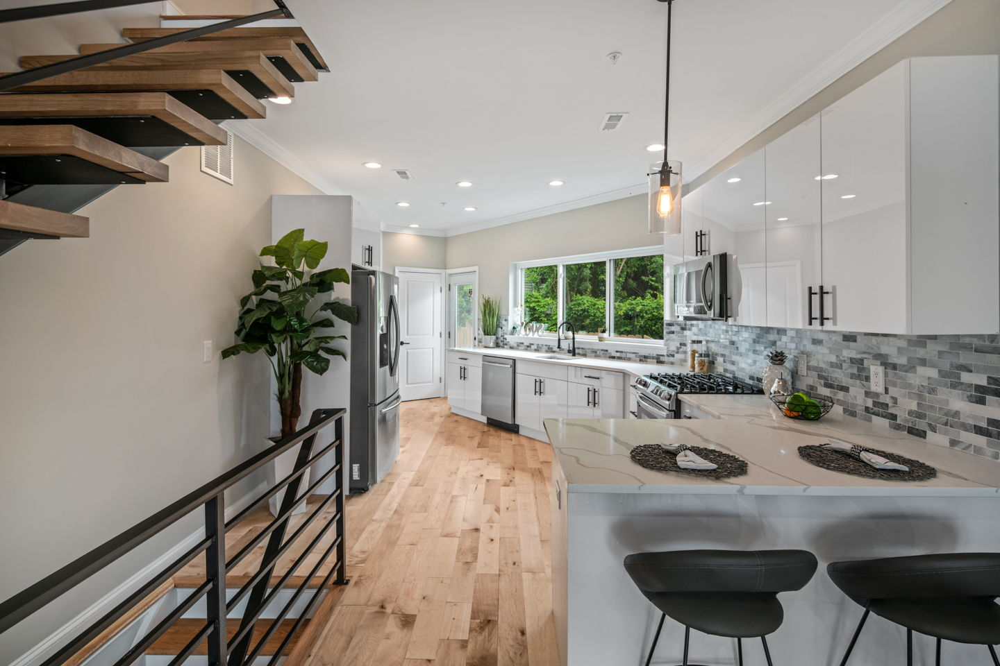 Interior Design vs. Staging: What Are the Differences?